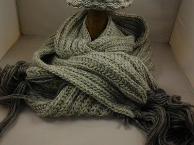 Bedacht sjaal honingraatmotief / naturel taupe