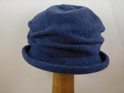 Bedacht Cloche softvilt / jeansblauw