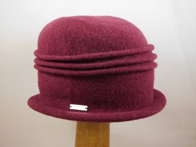 Seeberger cloche ribbels / bordeaux