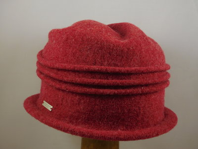 Seeberger cloche ribbels / ruby