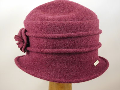 Seeberger cloche ribbels bloem burgundy