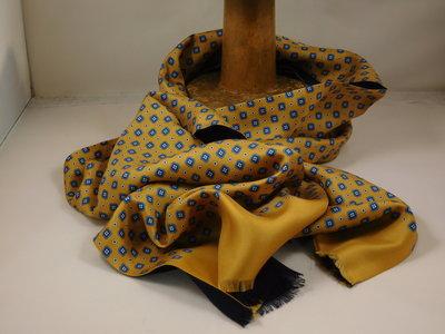 Daspartout sjaal zijde wol bloemetje / goud