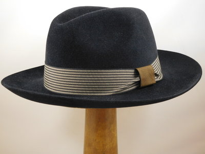 Customized Panizza fedora zwart