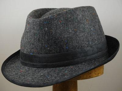 Jos van Dijck trilby tweed grijs