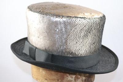 Alfonso D'Este Hoge hoed SEQUIN old gold