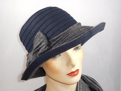 Hats&Dreams clochehoed met brede rand blauw grijs