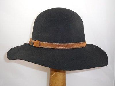 Robinsen Flaphoed 'Leonora' / Zwart