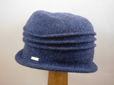 Seeberger cloche ribbels blauw