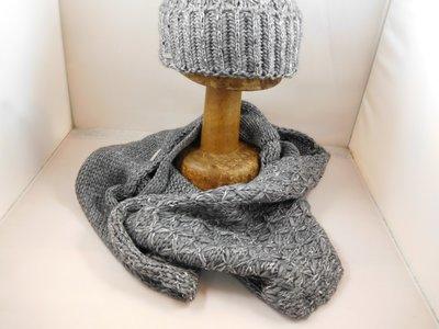 Seeberger sjaal kruismotief  grijs