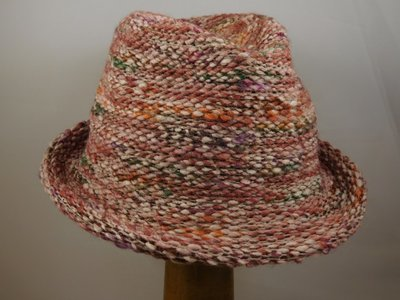Bedacht Gebreide Trilby / Multicolor roze