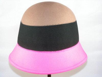 Seeberger cloche / Beige zwart roze
