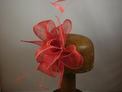 Haarversiering 'Eigen Atelier' veertjes coral
