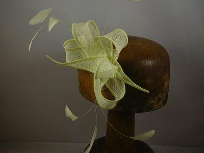 Haarversiering 'Eigen Atelier' veertjes zacht groen