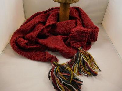 Bedacht gebreide 3hoek sjaal / bordeaux