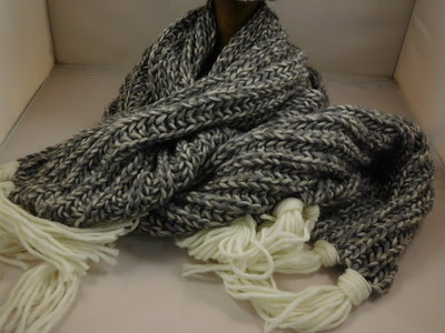 Bedacht sjaal honingraatmotief / antraciet creme