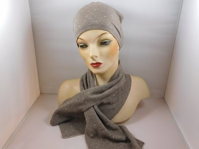 Bronte 'kinder'sjaal stipjes beige