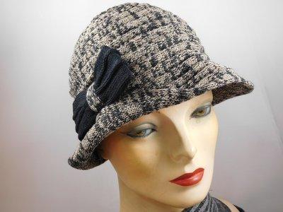 Hats&Dreams Cloche strikje beige zwart